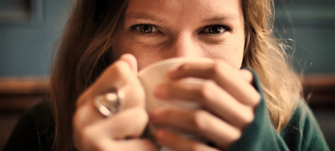 noční pocení po kávě